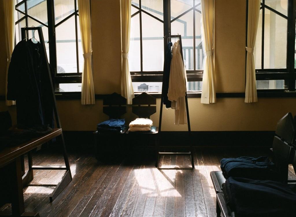 明日館での展示 myonichikan show in tokyo linen 草木染めリネンの服
