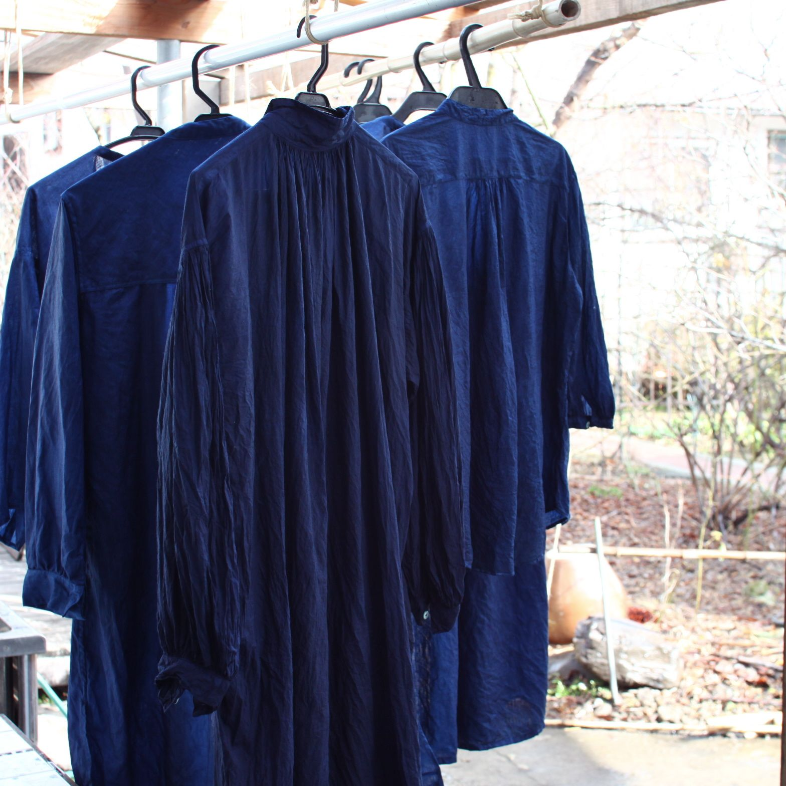 琉球藍 本藍染め 今日藍染めしたリネンワンピースとチュニック  Indigo dyed linen dress