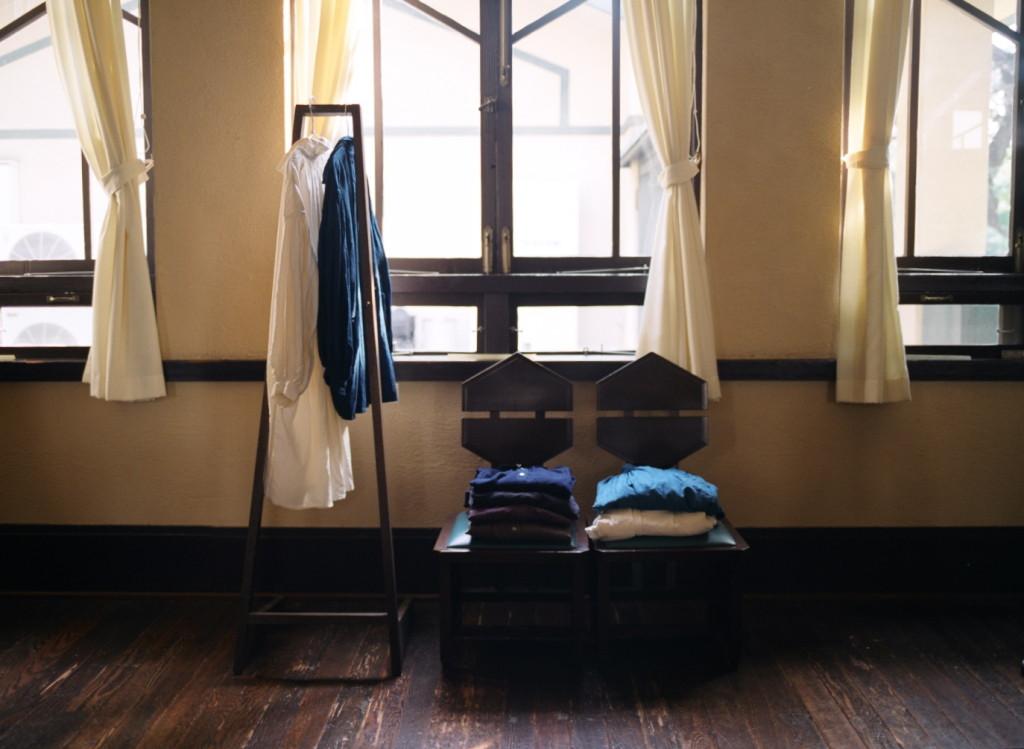 草木染めのリネン服 東京明日館展示 tokyo Myonichikan show linen clothes