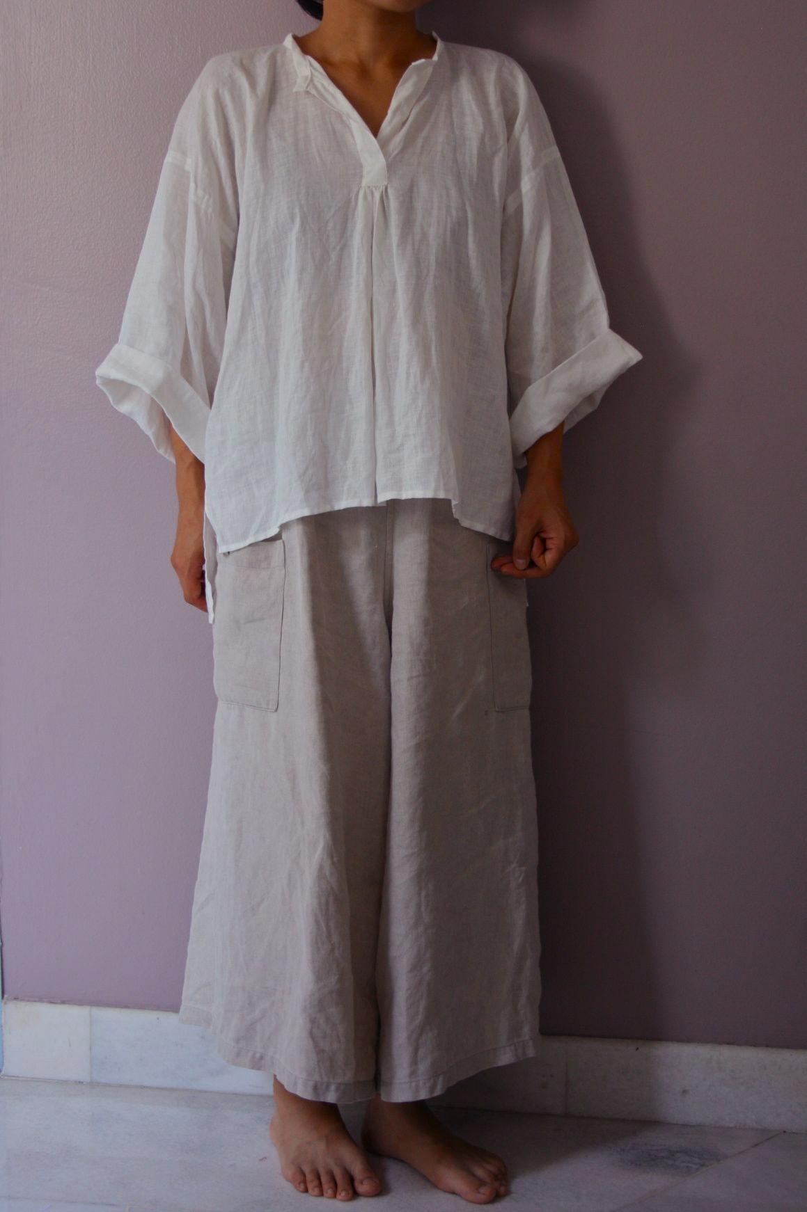 リネンパンツとブラウス linen pants and blouse