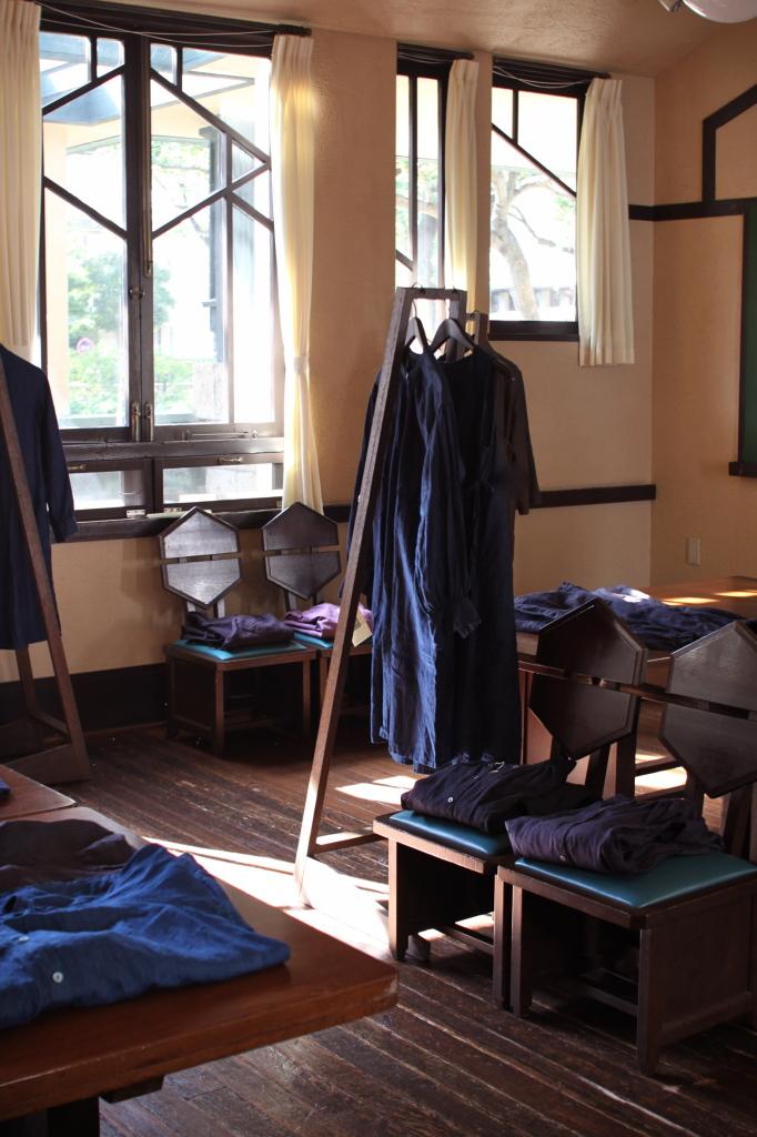 明日館 展示 藍 リネン ワンピース