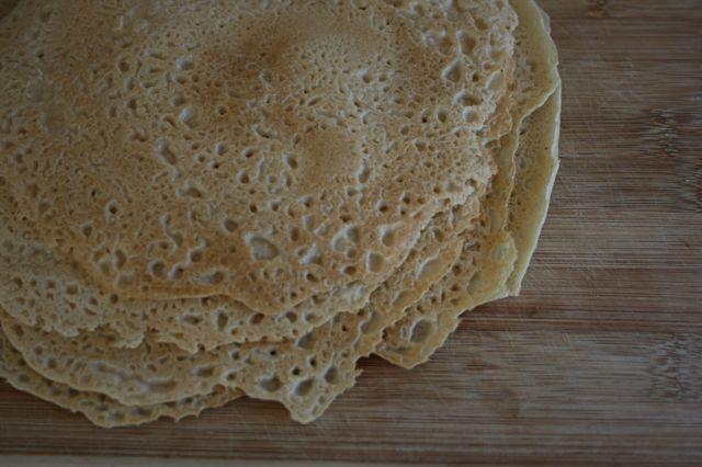 米粉のクレープ「ドーサ(tosa)」 iron tavaで焼いたもの
