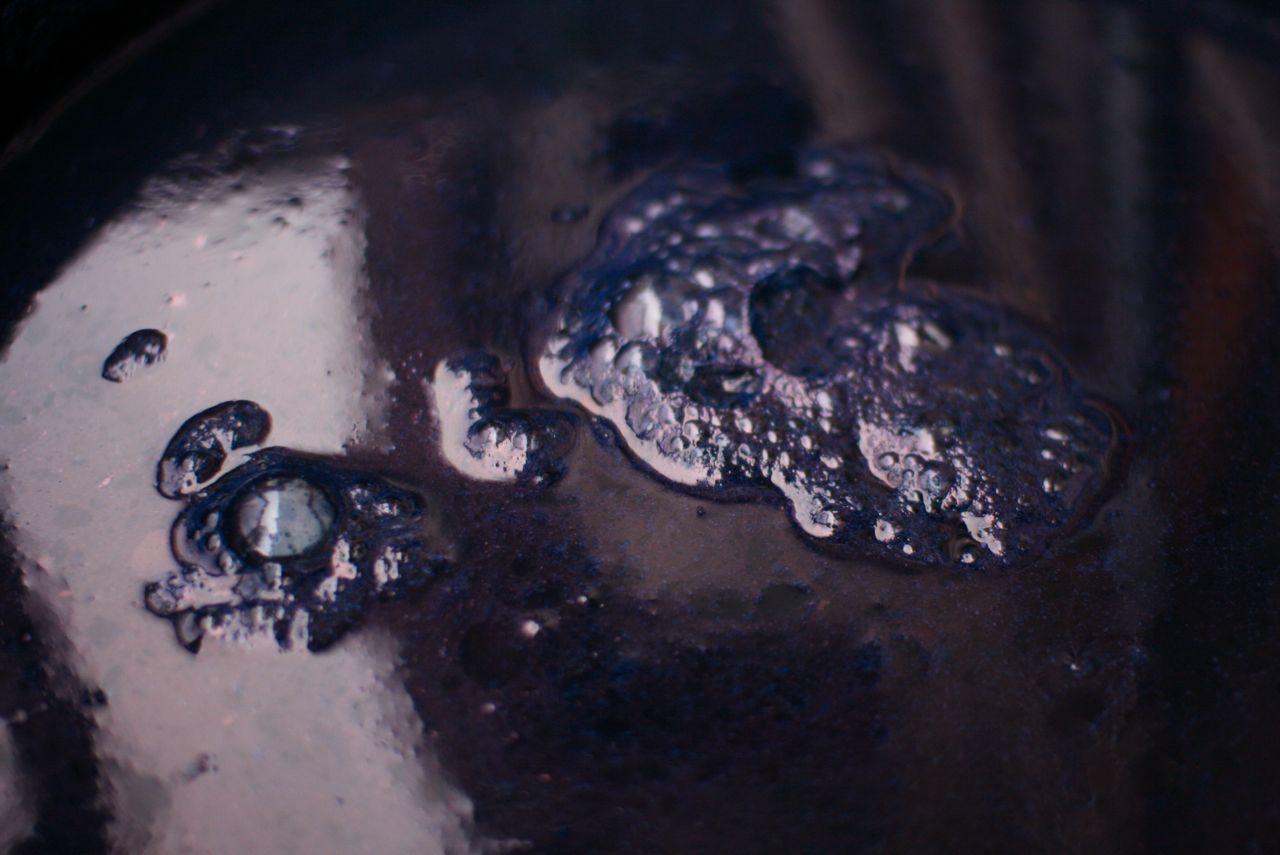 Indigo vat I used last year. Bacteria survived a cold Nagano winter. 琉球藍の瓶 藍がまだ生きています