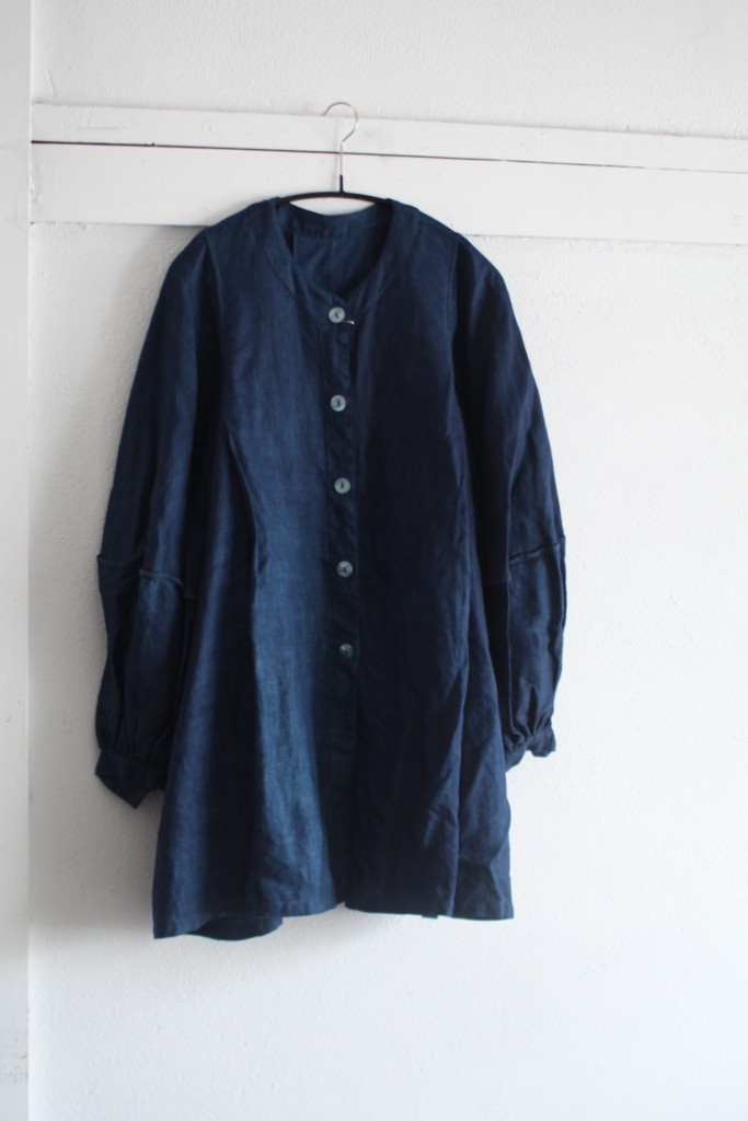 リネンのランタンスリーブのコート 琉球藍染め