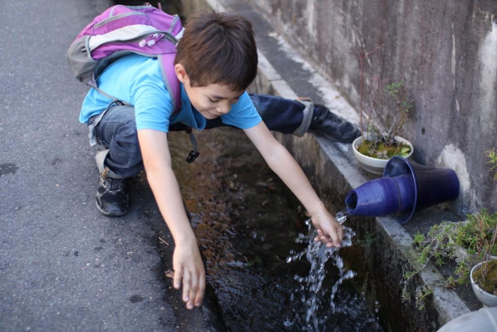 帰り道。松本はきれいな湧き水で知られます。