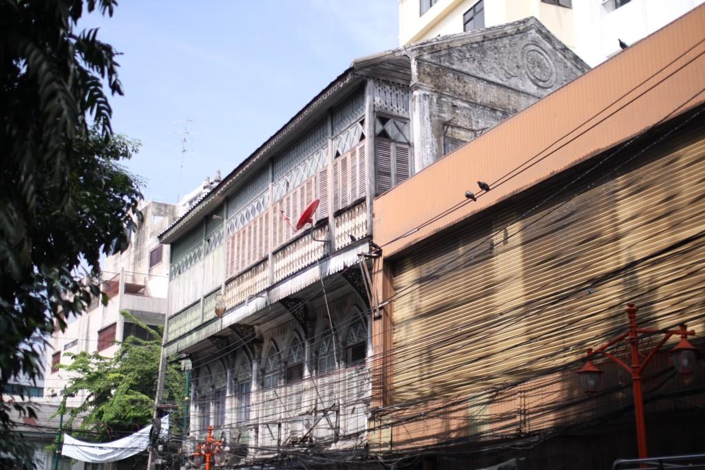 bangkok chinatown yaowarat architecture