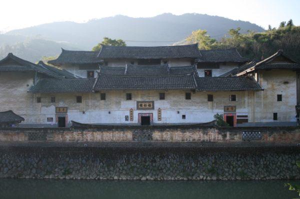 福裕楼。チベットのポタラ宮のようです。