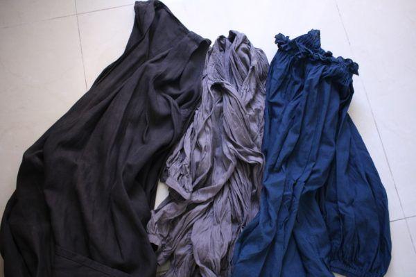 右から、藍、五倍子、ミロバランと五倍子で染めたものです。