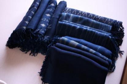 今日の収穫 Indigo scarfs I got today